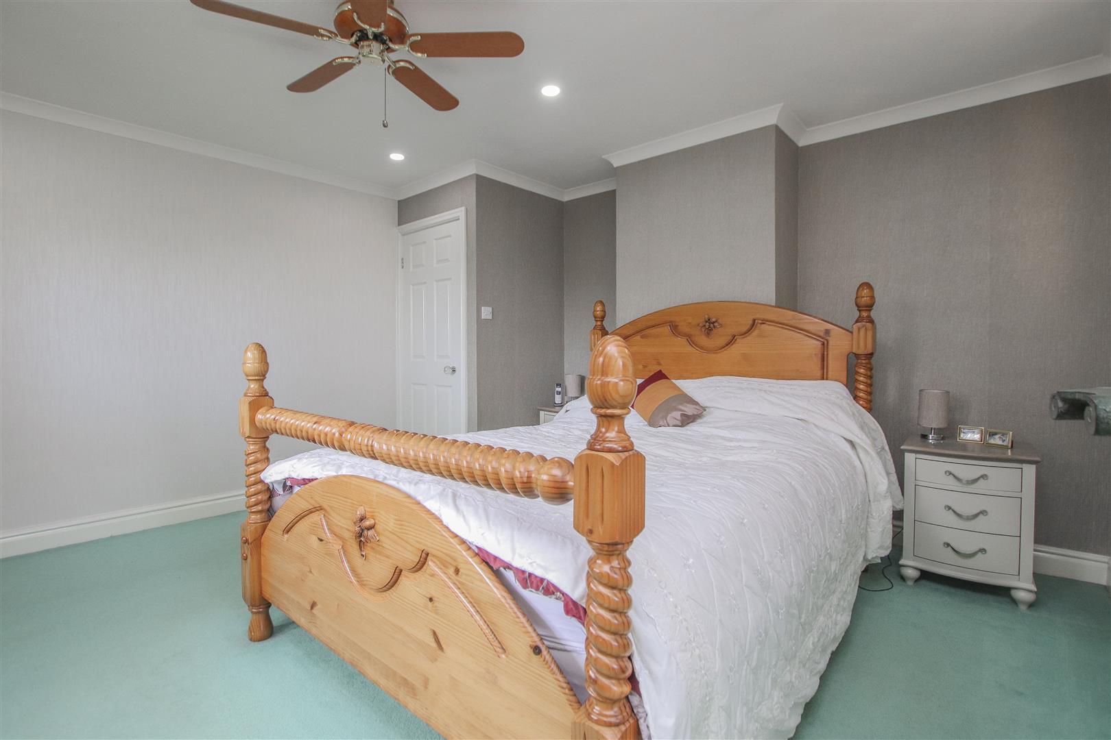 4 Bedroom Detached House For Sale - 16.JPG